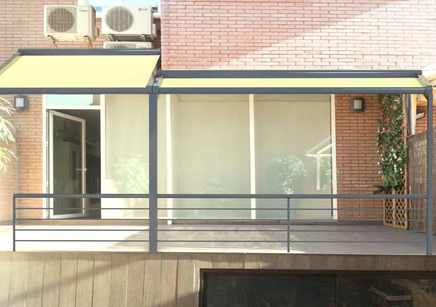 infografia 3d con montaje fotografico de toldos en fachada de vivienda