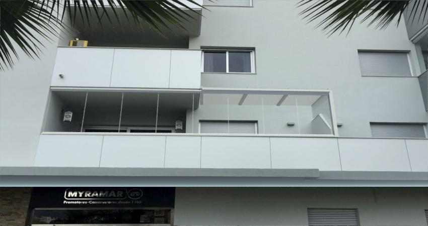 cerramiento-techo-movil-cortina-cristal-terraza